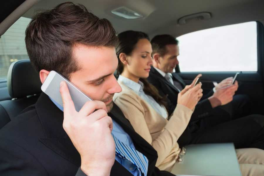 Top 8 Reasons to use corporate chauffeured transportation